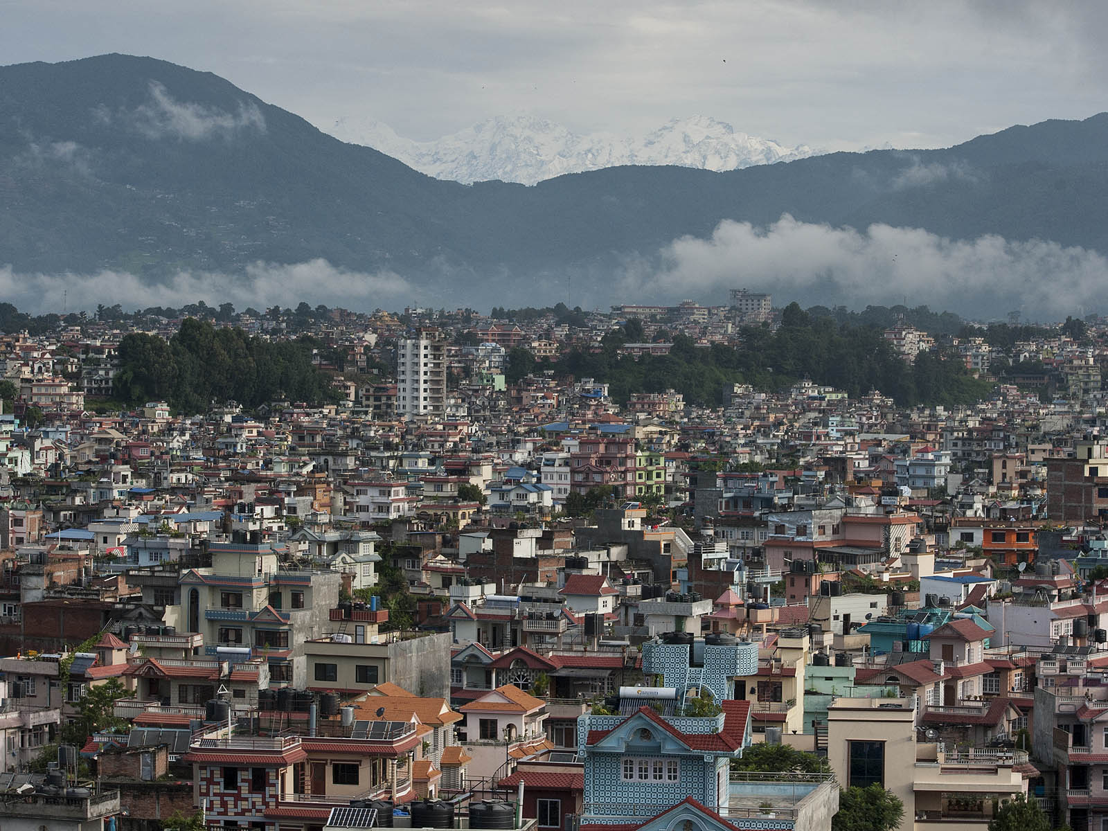 As if by divine intervention, on my last morning we could see the Himalayas towering over the Kathmandu Valley – the first time in 3 months. A sight that only seeing with your eyes can do justice! What an amazing time!!!!