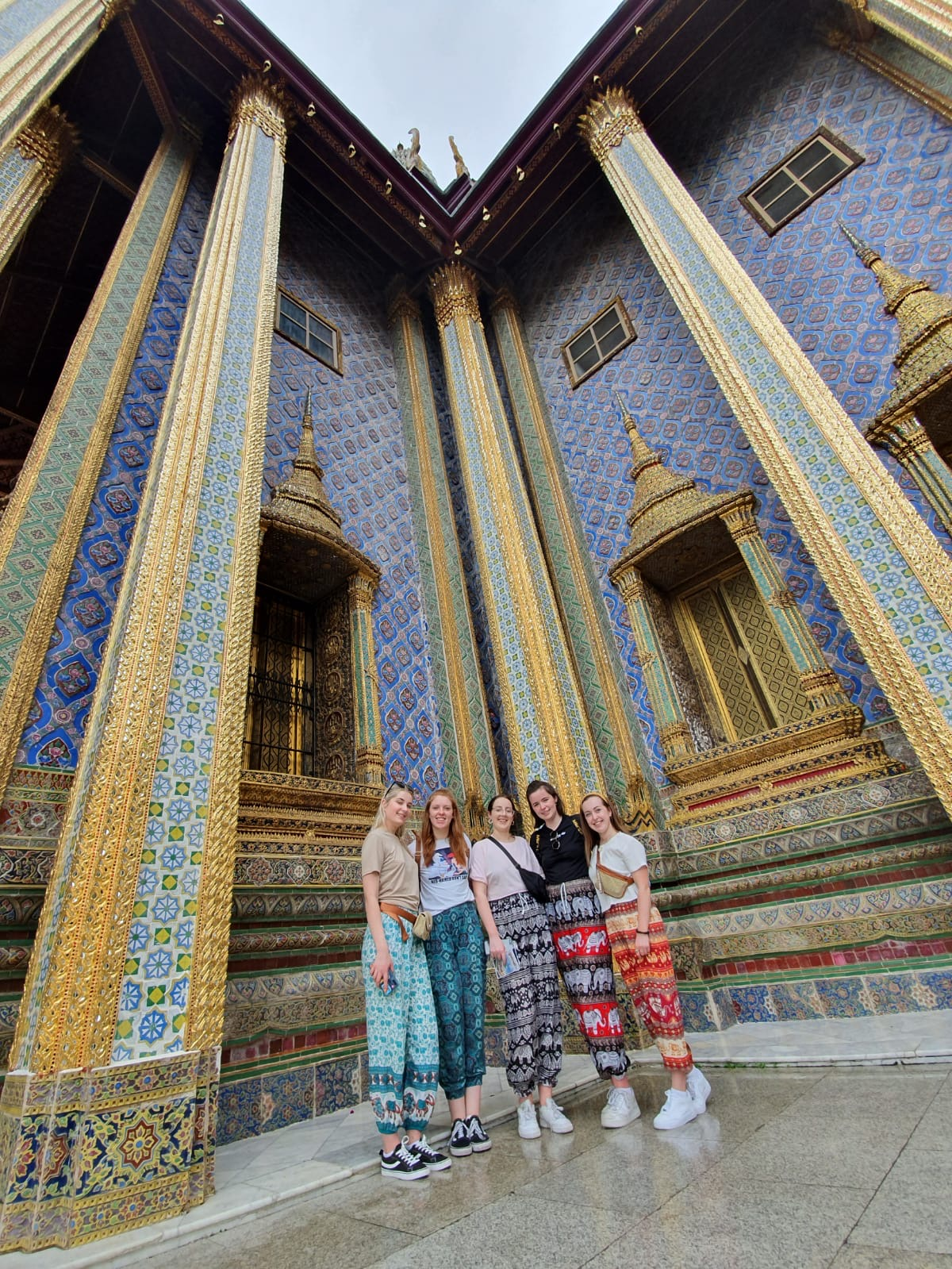 girls at a temple in Thailand
